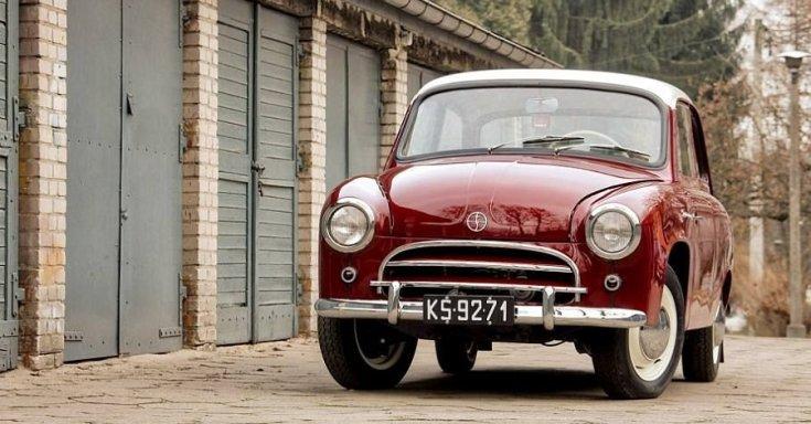 1956 FSO Syrena 102, piros 2 ajtós tudor fehér tetővel