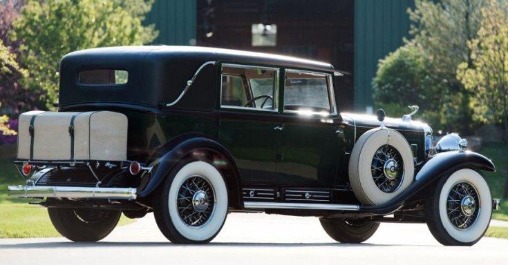 """1930 Cadillac Series 452 """"V16"""", fekete landau limuzin"""