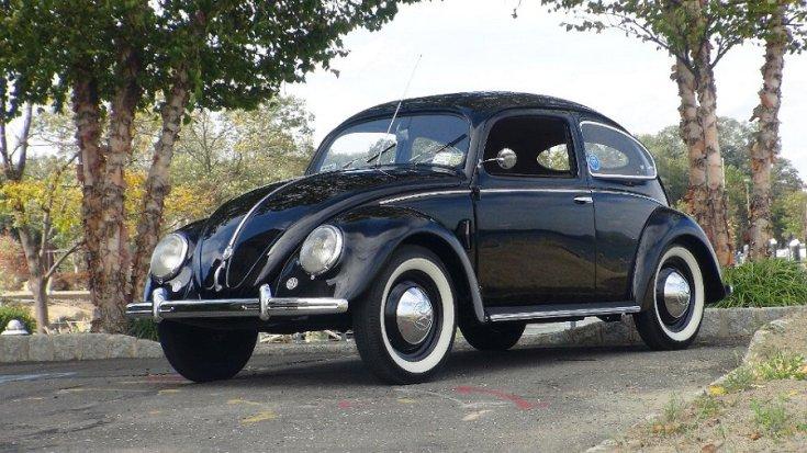 Volkswagen Typ 1 Bogár, fekete tudor, elölnézet, oldalnézet, balról fotózva, alulnézetből