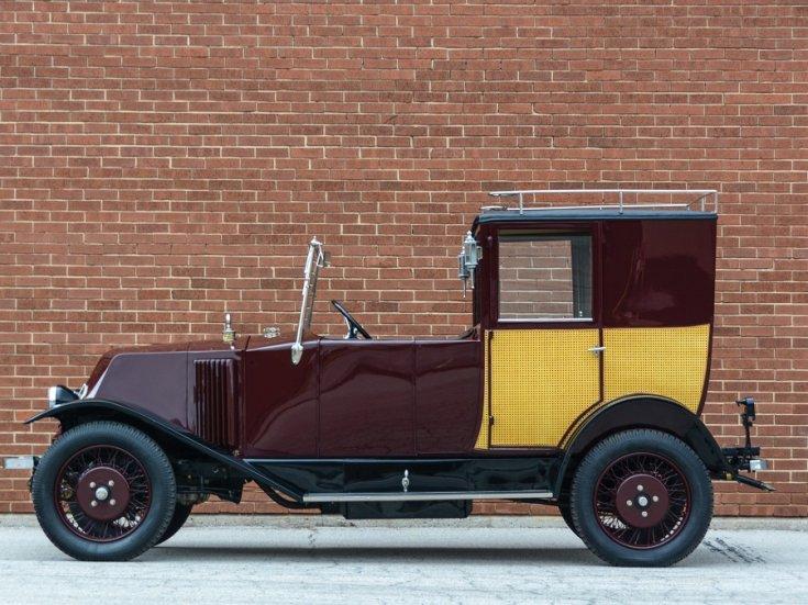 1924 Renault Type NN Town Car Labourdette, bordó limuzin, oldalnézet, balról, alulról fotózva