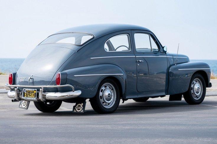 1958 Volvo P544, kék sedanette feneke jobbról