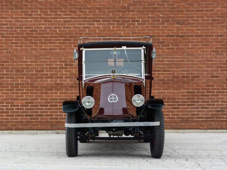 1924 Renault Type NN Town Car Labourdette, bordó limuzin, elölnézet, szemből, alulról fotózva