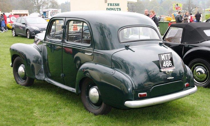 1949 Vauxhall Wyvern LIX, mélyzöld limuzin, feneke