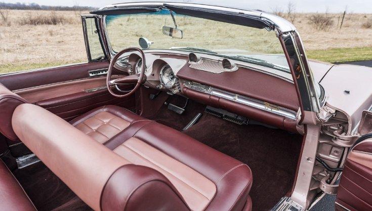 1960 Imperial Crown műszerfala, jobbról előre