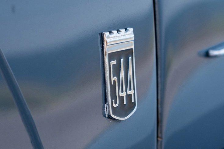 """1965 Volvo PV 544, """"544""""-es embléma"""