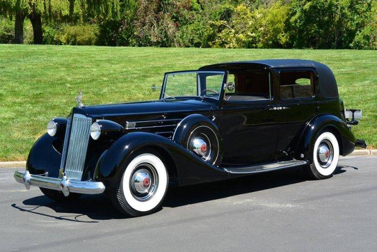 1937 Packard Twelve, fekete town car limuzin eleje jobbról