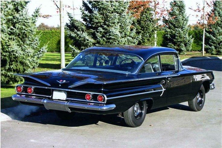 1960 Chevy Bel Air, 2 ajtós fekete kupé feneke jobbról