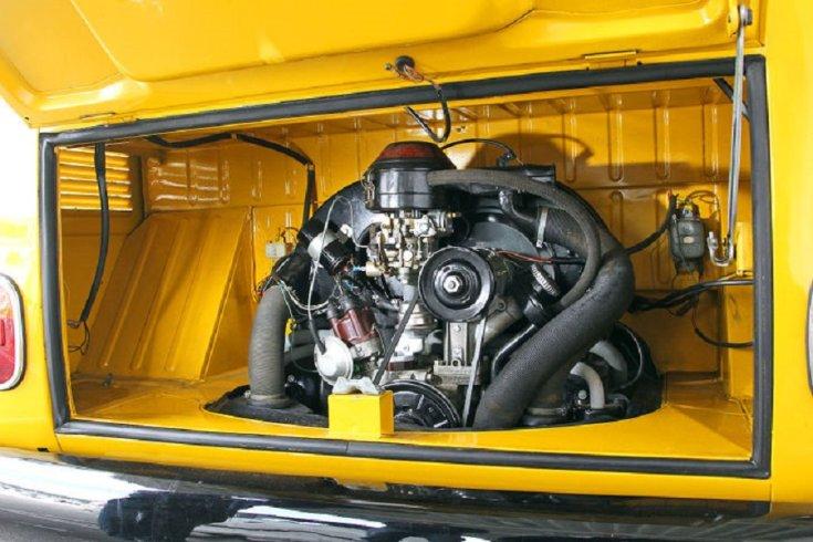 1964 Volkswagen Typ 147 Fridolin, sárga postásautó nyitott motortere