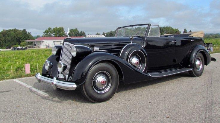 1937 Packard Twelve, fekete kabrió limuzin, eleje jobbról