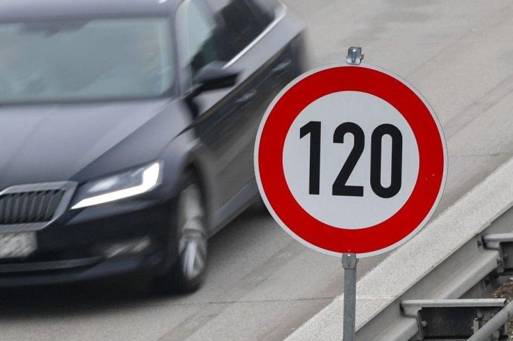 Létezik-e a sebességkorlátozás?
