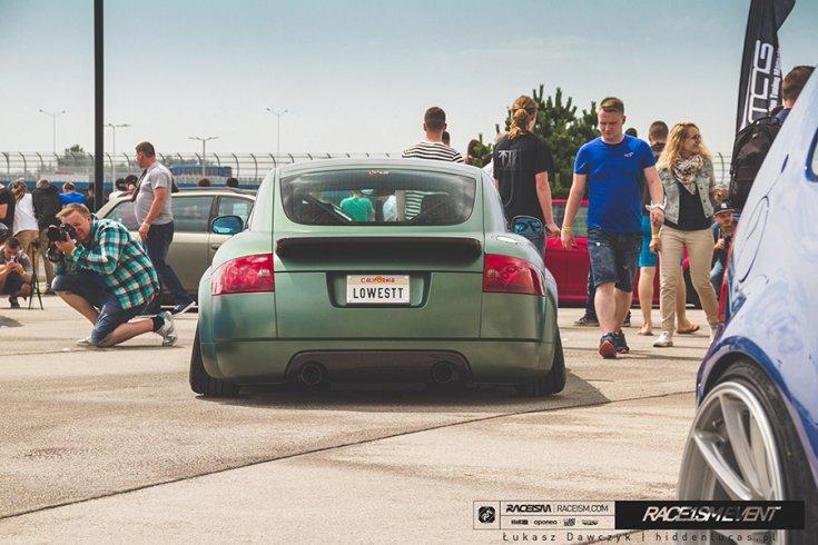 stance Audi TT a RACEISMEN hátulról