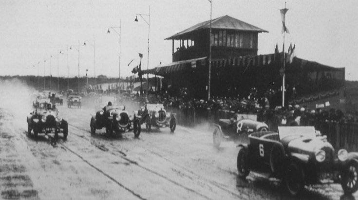 elrajtol az 1923-as Le Mans-i 24 órás verseny