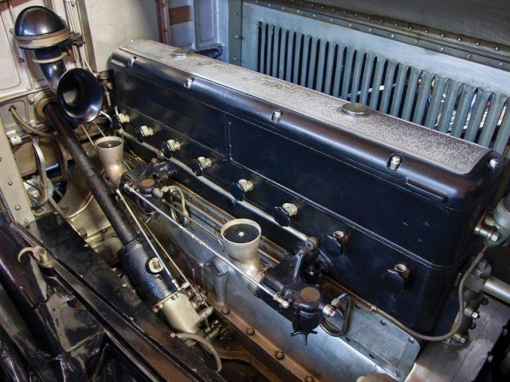 1924 Isotta Fraschini, Tipo 8A, soros 8 hengeres motor, elölnézet, oldalnézet, jobbról