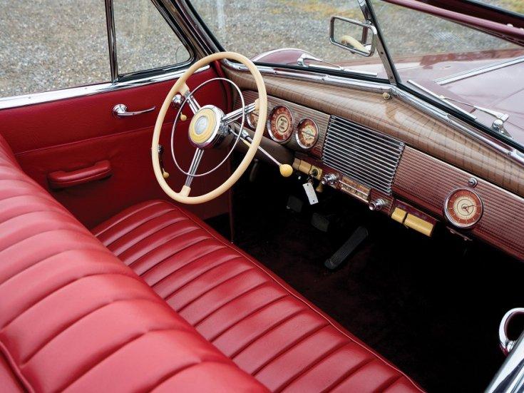 1940 Buick Special Sport Phaeton, meggyvörös kabrió limuzin, műszerfal, elölnézet, oldalnézet, jobbról, felülnézet