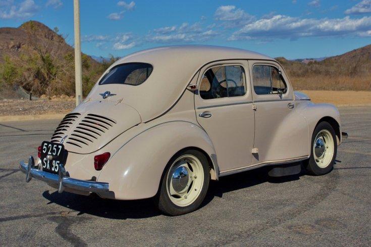 1946 Renault vajdarab, mokkabarna, hátulnézet, oldalnézet, jobbról