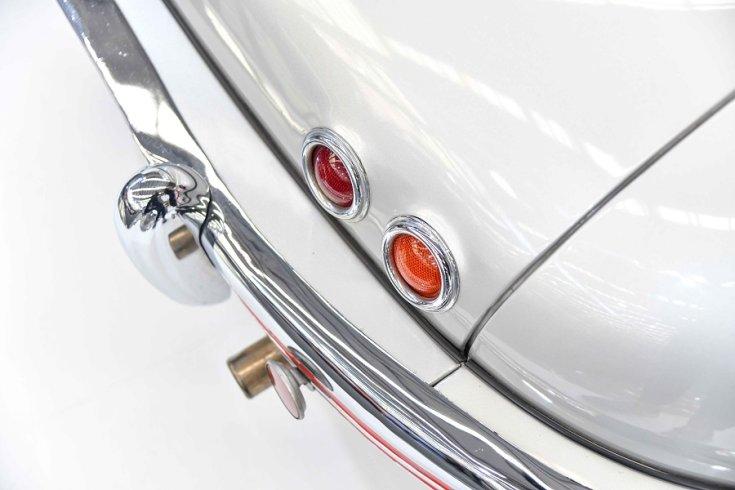 1950 Tatra T600 Tatraplan, hátsó jobb lökhárító és baba, felülnézet, oldalnézet, jobbról