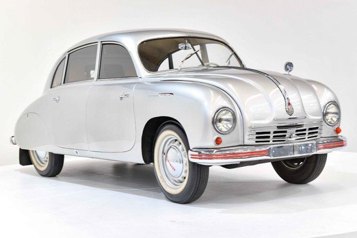 1950 Tatra T600 Tatraplan, ezüst, elölnézet, oldalnézet, jobbról
