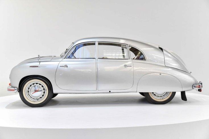 1950 Tatra T600 Tatraplan, ezüst, oldalnézet, balról