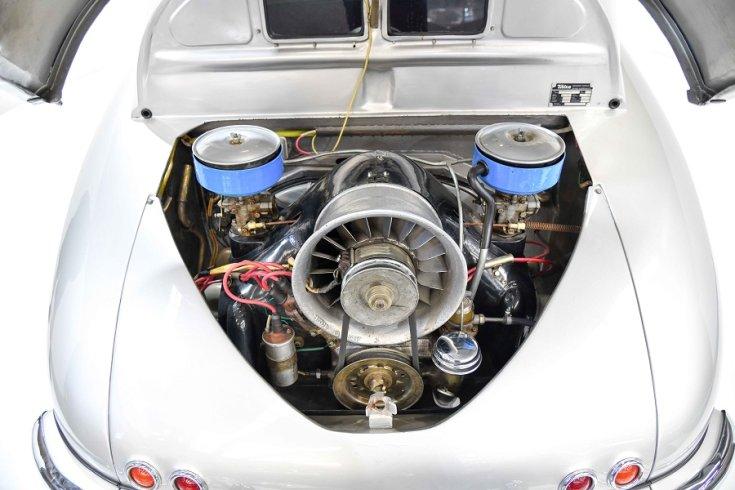 1950 Tatra T600 Tatraplan, ezüst, nyitott motortér, elölnézet, szemből