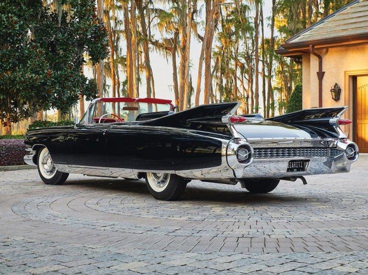 1959 Cadillac Eldorado Biarritz, fekete kabrió, hátulnézet, oldalnézet, balról döntve