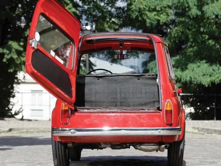 1960 Fiat 500 Giardiniera, piros, kombi, hátsó csomagtér, nyitva, elölnézet, szemből