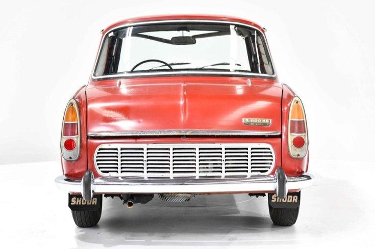 1965 Skoda 1100 MB, vörös, hátulnézet