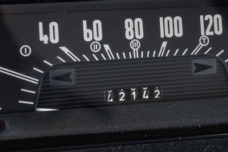 1968 Skoda 1000 MB, sebességmérő, elölnézet