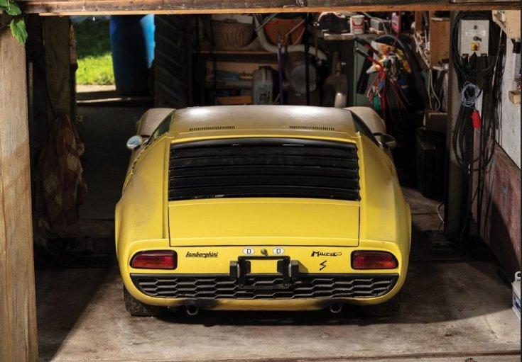 1969 Lamborghini Miura P400 S hátulja