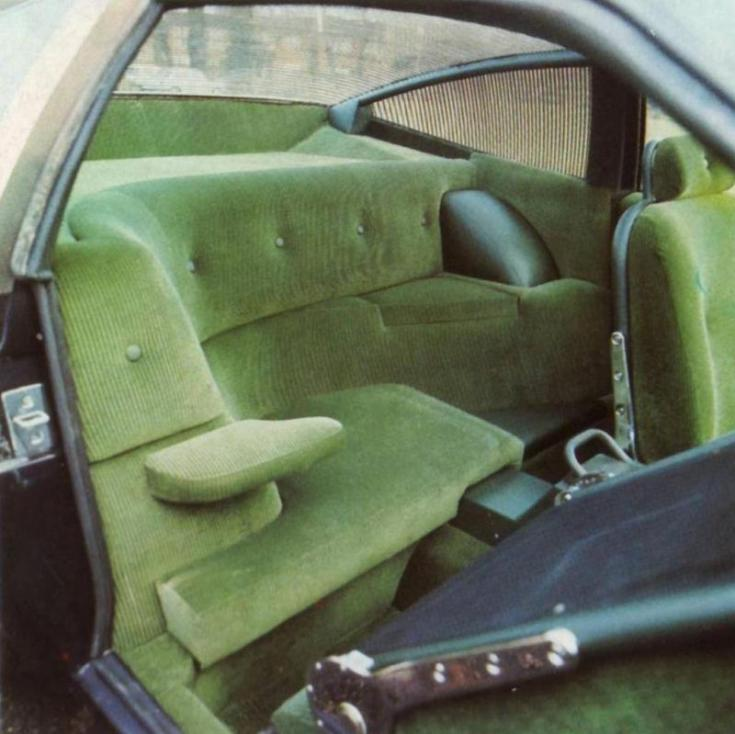 Aston Martin DBS V8 Ogle beltér