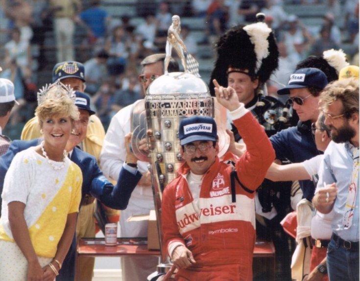 Bobby Rahal az 1986-os Indy 500 győzelmét követően