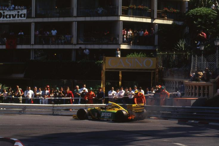 Schumacher motorja elfüstöl az 1993-as Monacói Nagydíjon