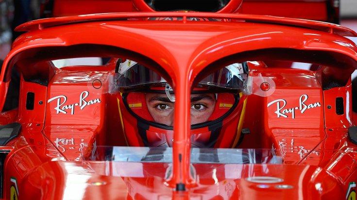 Carlos Sainz a Ferrari teszten Fioranóban szemből