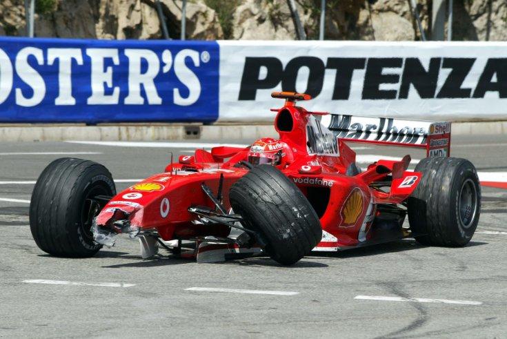 Schumacher az összetört Ferrariban a 2004-es Monacói Nagydíjon