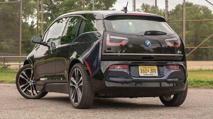 A BMW i3 hátulról