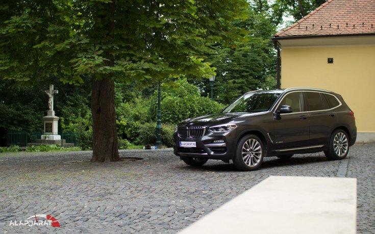 2018-as BMW X3 elölről