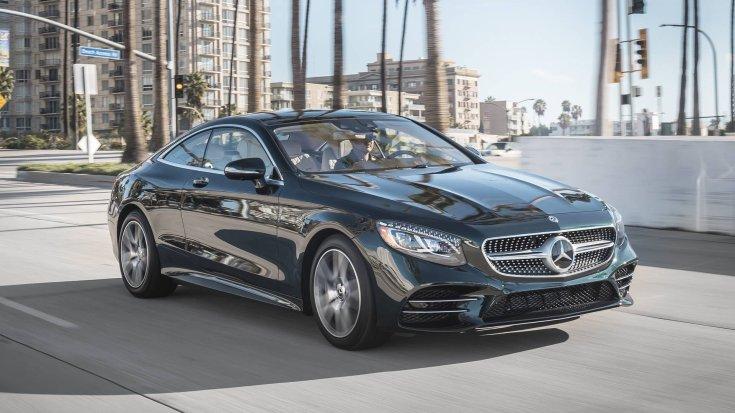 Mercedes S560 menet közben