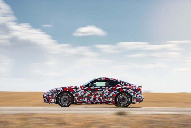 2018 Toyota Supra kémfotón, oldalról