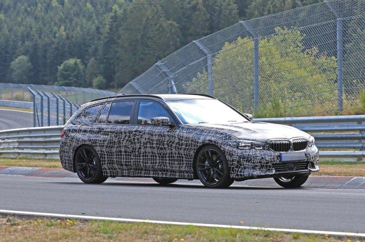 2019 BMW 3 Touring takarófóliában oldalról