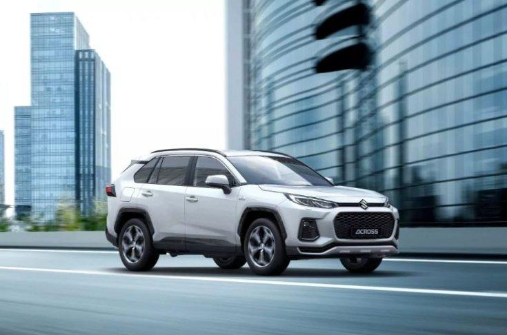 2020-as Suzuki Across elölről