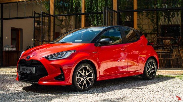 2020-as Toyota Yaris Hibrid elölről