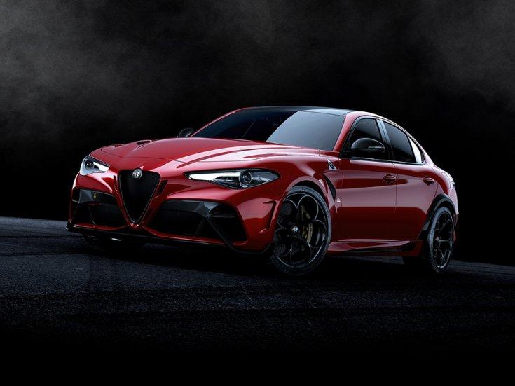 2021 Alfa Romeo Giulia GTA szemből, stúdióképen