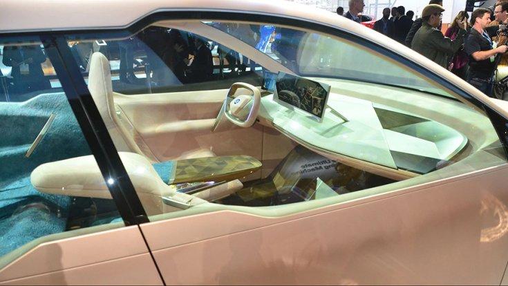 BMW Vision iNext a Los Angelesi Autószalonon utastérbe tekintve