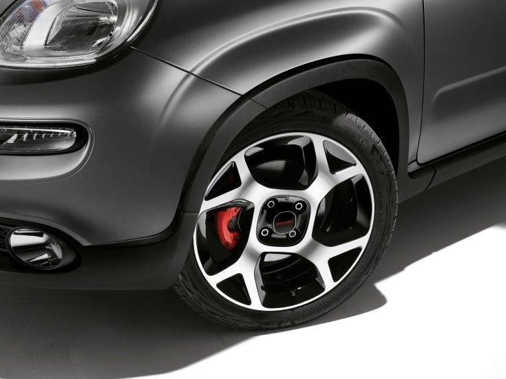 2021-es Fiat Panda kereke és első részei közelről
