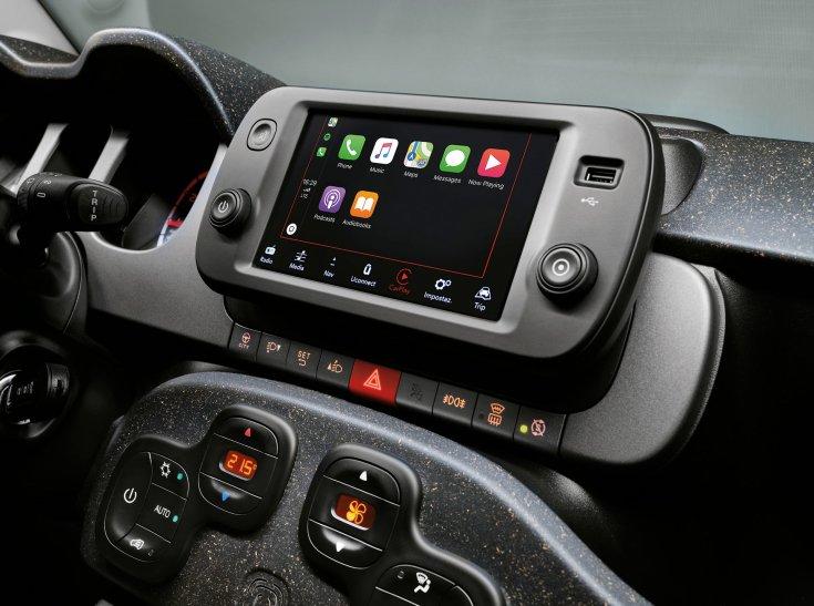2021-es Fiat Panda belső információs és szórakoztató rendszere