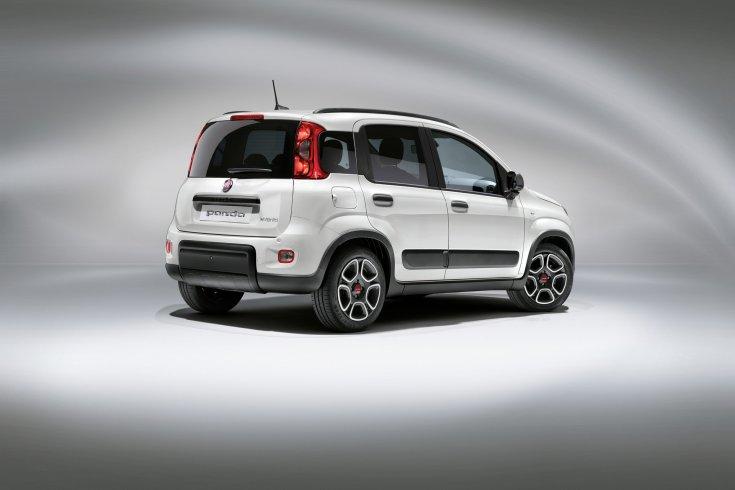 2021-es Fiat Panda egyszerű kiadás hátulról