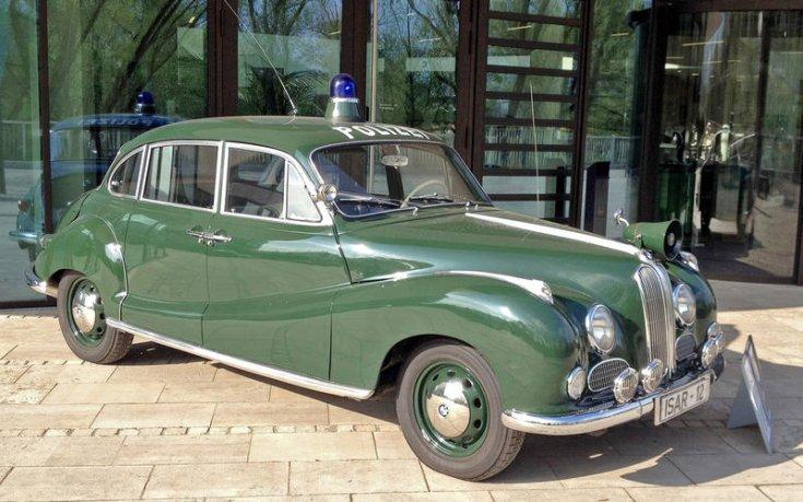 BMW 501 rendőrautó
