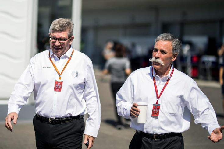 Ross Brown és Chase Carey