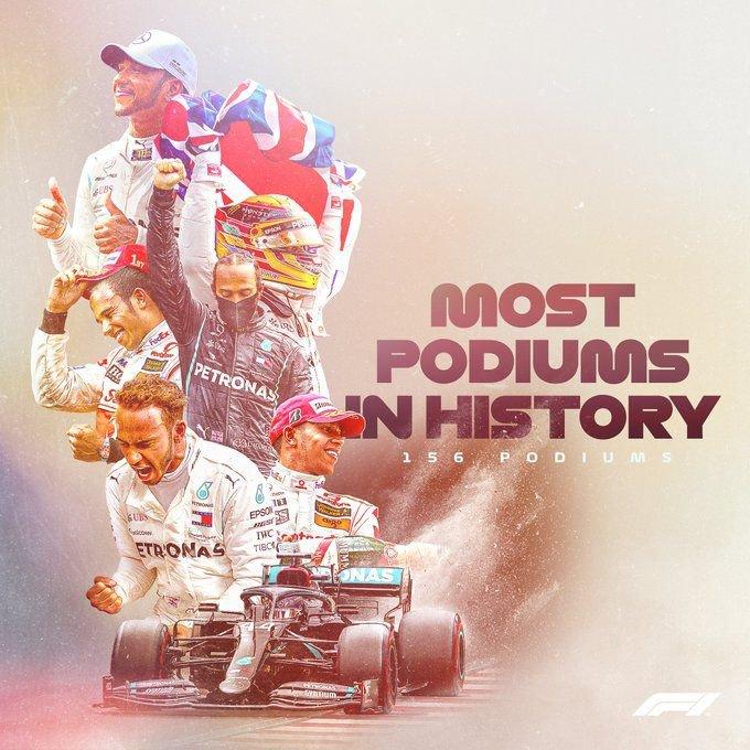 156 dobogós helyezés – ezzel Hamilton megdöntötte Michael Schumacher rekordját