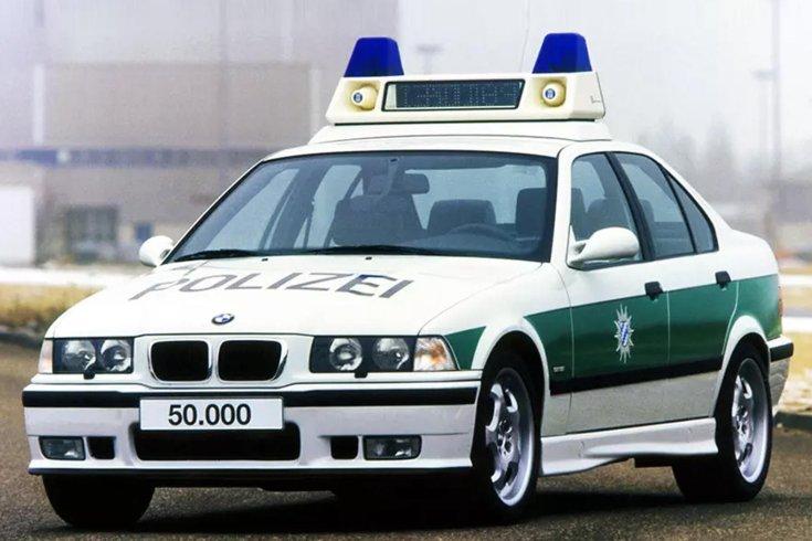 BMW E36 rendőrautó