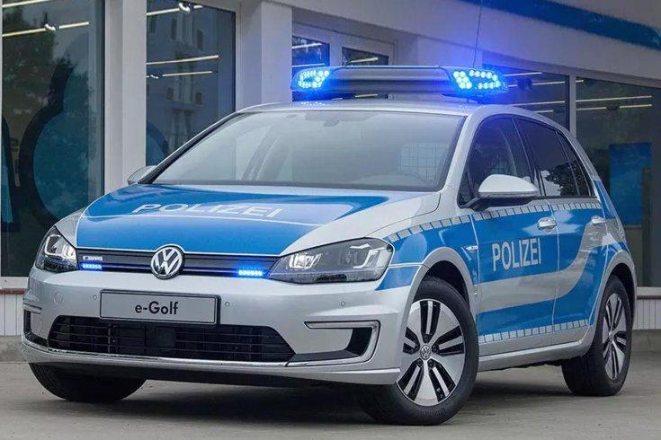 Volkswagen e-Golf rendőrautó